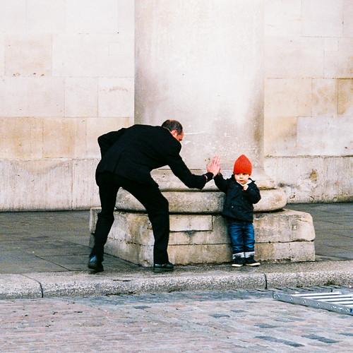 Street Greeting | by Raglansurf