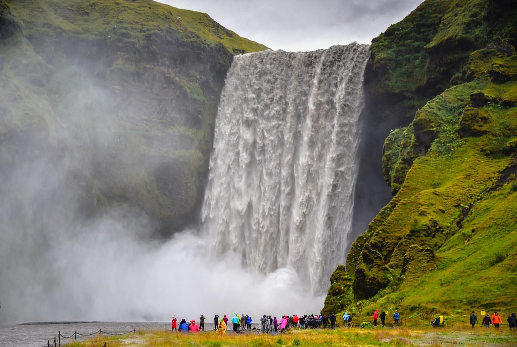 waterfall in iceland skogafoss