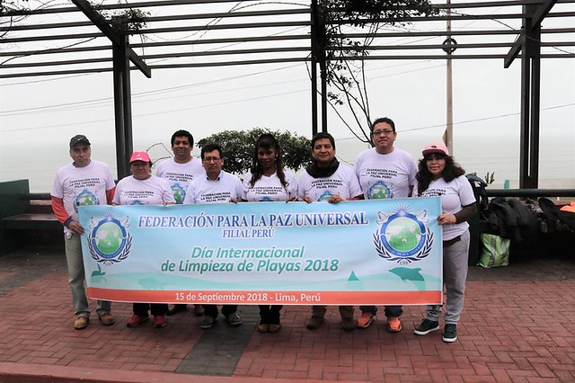Peru-2018-09-15-Peruvian Ambassadors for Peace Join Coastal Cleanup Day