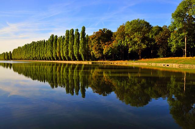 Autumn light and Reflections  (Parc de Sceaux, Paris)