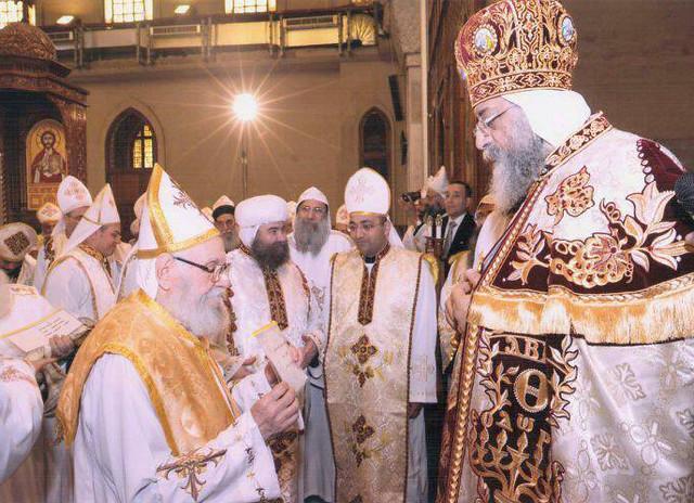القمص مكارى عبد الله مع قداسة البابا تواضروس الثاني - 1