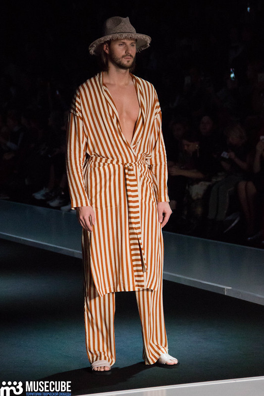 mercedes_benz_fashion_week_goga_nikabadze_004