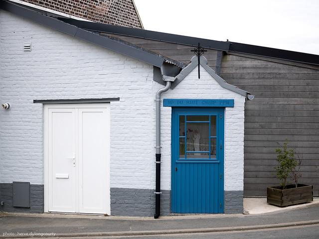 small edifice #31
