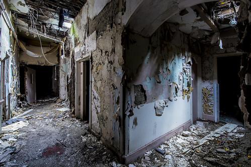 Corridors   by hmltnangel