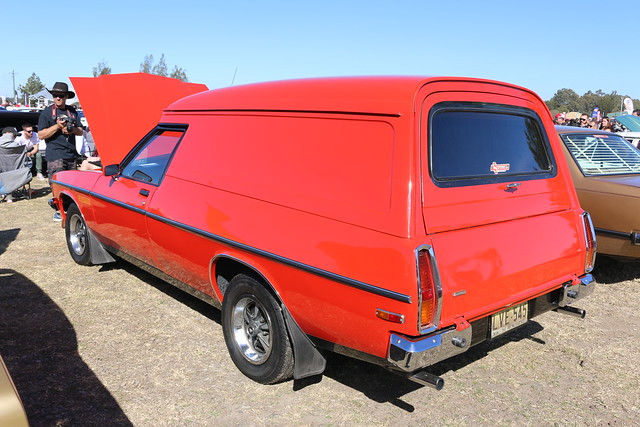 1977 Holden Sandman HZ Panel Van