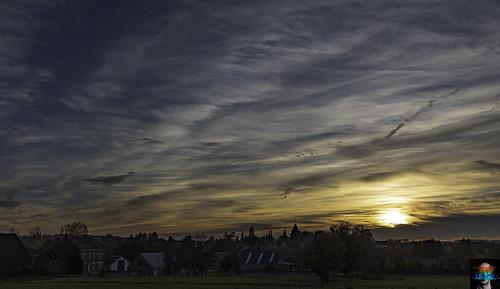 gibecq ciel clouds coucher extérieur nuages outside sky soleil sunset ath hainaut belgique be