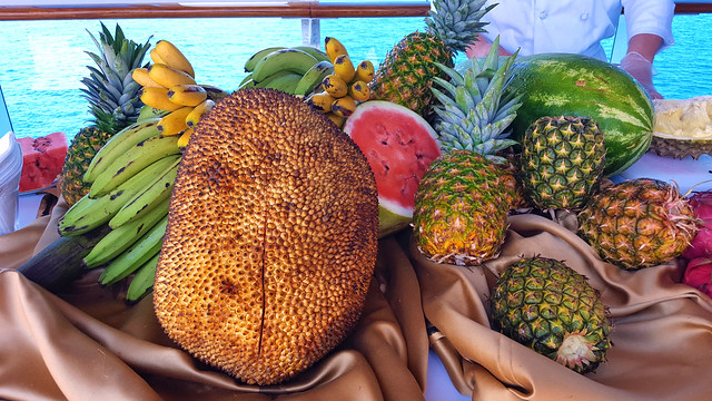Jackfruit and other tropical fruit 20180323_050508