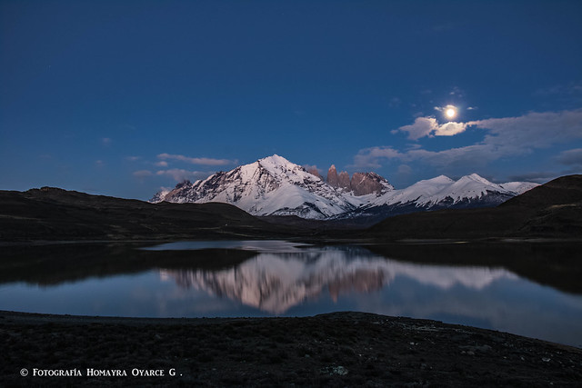 Esperando el amanecer en sector laguna amarga , parque nacional Torres del Paine , octava maravilla del mundo . Fue un día único para visitar el parque.