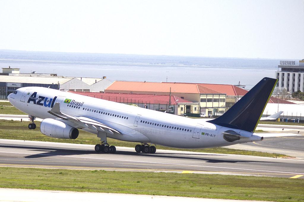 PR-AIY | AZUL Linhas Aereas Brasileiras | Airbus A330-243 | CN 365 | Built 2000 |  LIS/LPPT 04/05/2018 | ex CS-TOS, VH-XFA, A6-EAB