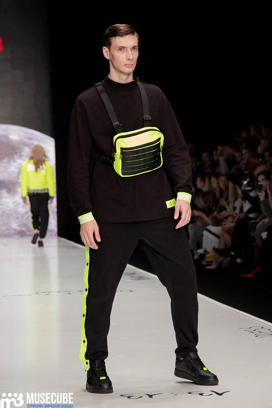 mercedes_benz_fashion_week_black_star_wear_036