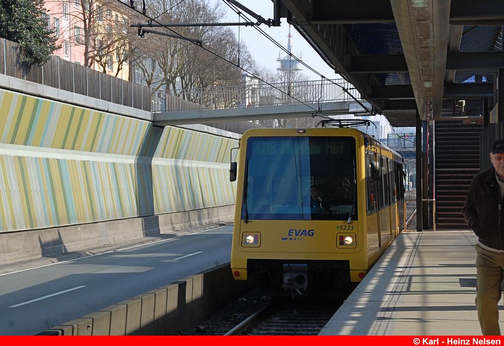 5233-047 Breslauer Str 23.03.2015 | Strassenbahn Essen