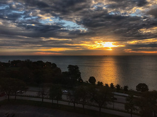 Promontory Point shortly after autumn sunrise | by dschirf