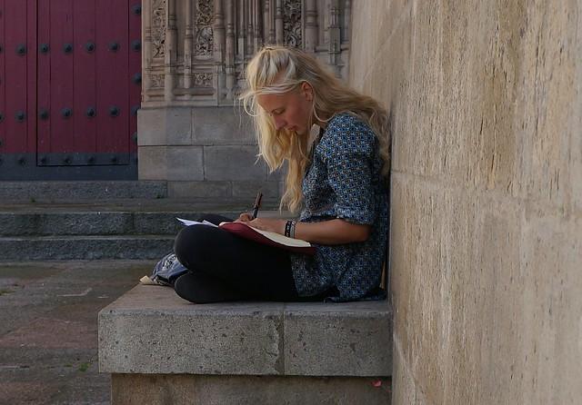 Salamanca . A la sombra de la Torre de la Catedral Nueva.