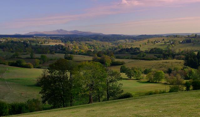 Le Puy de Sancy à l'horizon