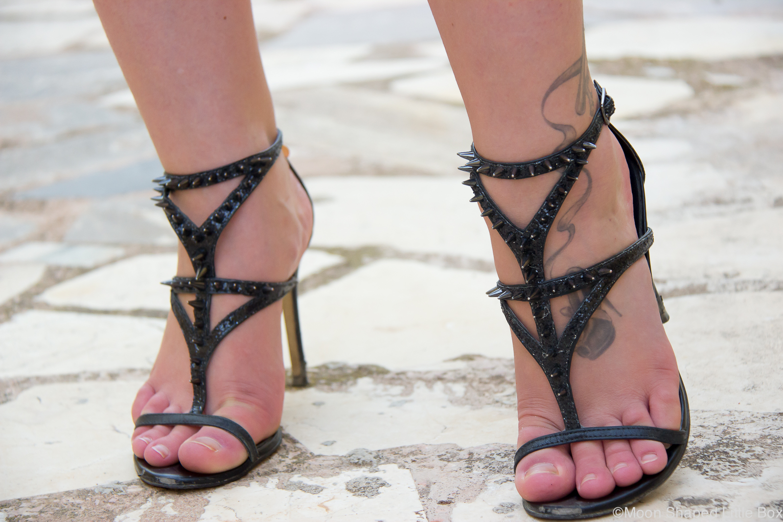 High_heels_with_studs_Guess