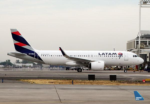 LATAM A320neo CC-BHA (RD)