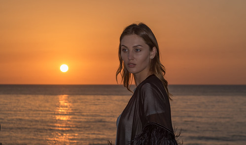 woman women girl pretty sunset kristinamostovaya lancasteredenbay beirut lebanon model sunrise dusk dawn nikon 2470mm