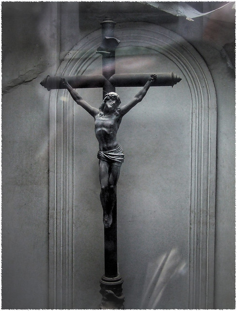 El Crucifijo II