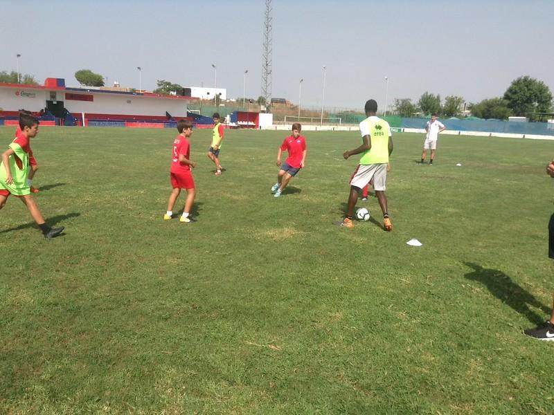Norwich City community work with Puebla CF U12s (9)