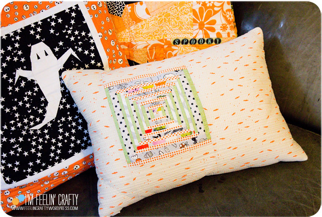HalloweenPillow-Inside-ImFeelinCrafty