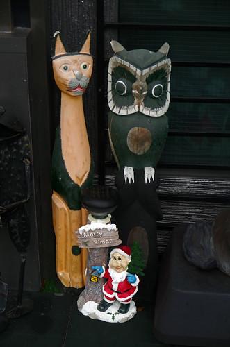 japan kyushu kumamoto ogawa wood statues owl cat