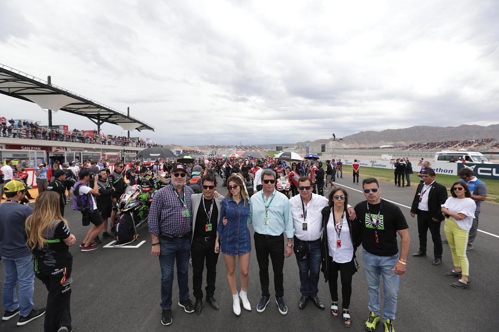 Miles de Turistas en el Superbike