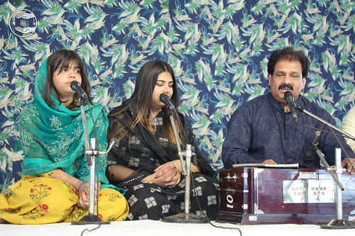 Devotional song by Vinod Kumar and Saathi from Gurugram Haryana