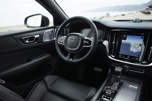 2019_Volvo_S60_Sedan_019 Photo