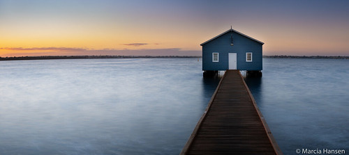 2018 australia crawley perth westernaustralia blue boathouse boatshed spring sunrise water