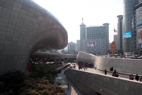 seoul - dongdaemun design plaza 02 | by salazar62