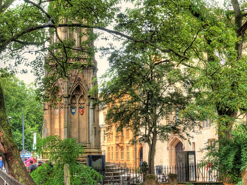 martyrsmemorial monument memorial religion stmarymagdalen church trees restful soft peaceful urban oxford city uk colleges buildings graveyard