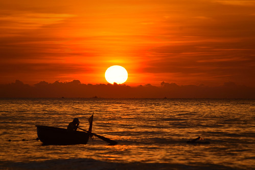 vietnam danang sunrise morning boat sea
