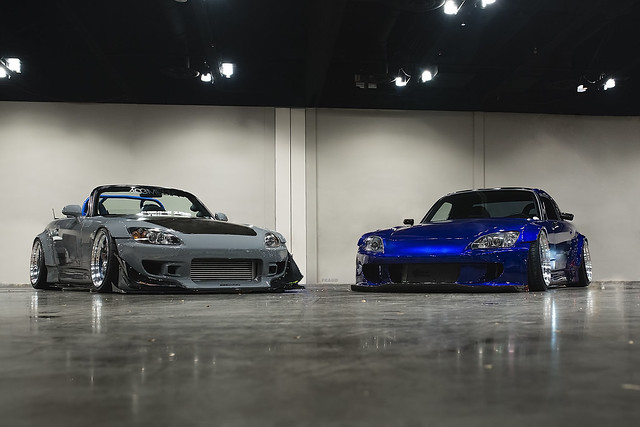 2 wide n low s2000s at Tuner Evo Chicago.