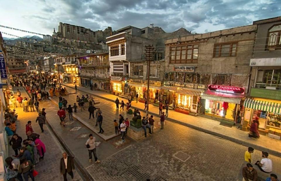 Evening View of Leh Market !