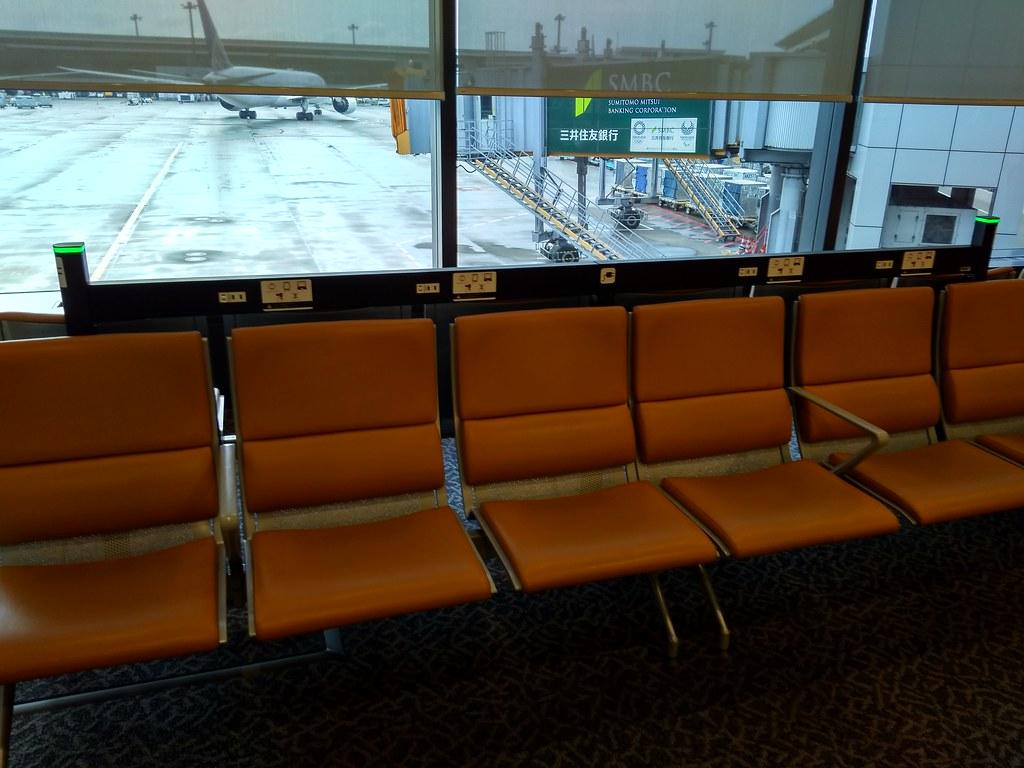 日本东京成田国际机场候机座位