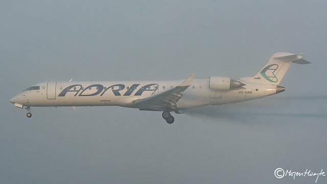 Adria Airways, Bombardier CRJ-701 (CL-600-2C10), S5-AAW, 10008, Oktober 2018