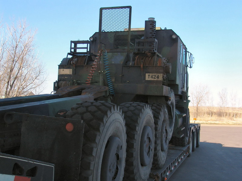 M1070 Heavy Equipment Transport 4