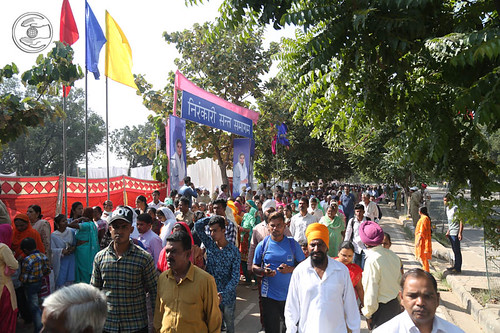 Arrival of devotees