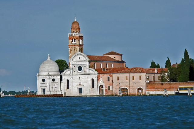 2013.05.25.005 VENISE - SAN MICHELE - L'église San Michele (1469) et la chapelle Emiliani (1530)