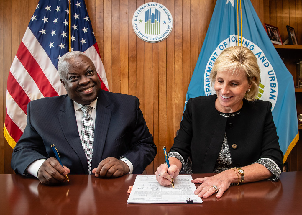 Deputy Secretary and USVI Governor sign disaster recovery grant agreement