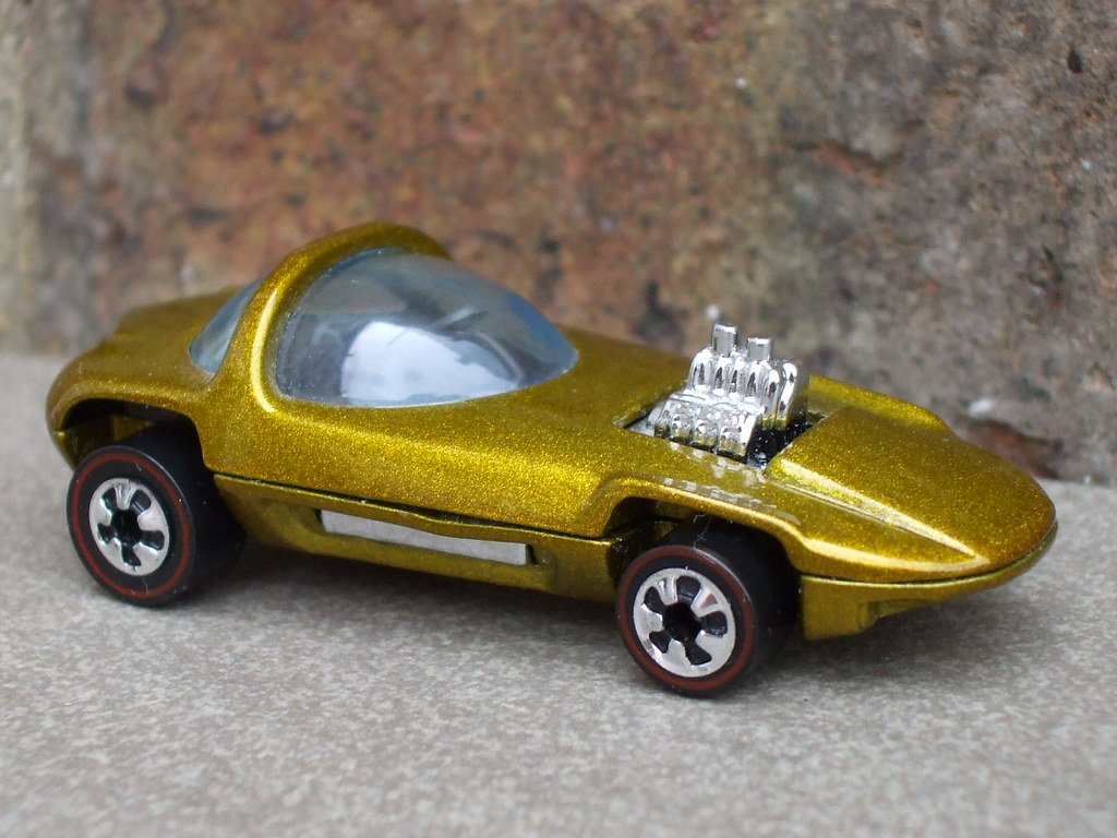 Hot Wheels 25th Anniversary Gold Silhouette w//Redline Wheels