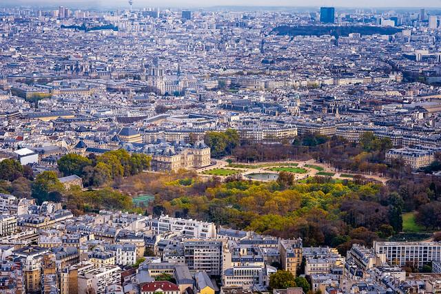 Paris from above: Palais & Jardin du Luxembourg, Odéon, Panthéon, Sorbonne, Notre Dame, Louvre