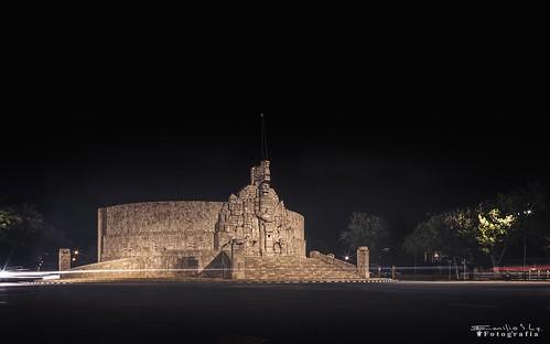 MEXICO, Yucatán, Merida, Paseo de Montejo,  19059/11719
