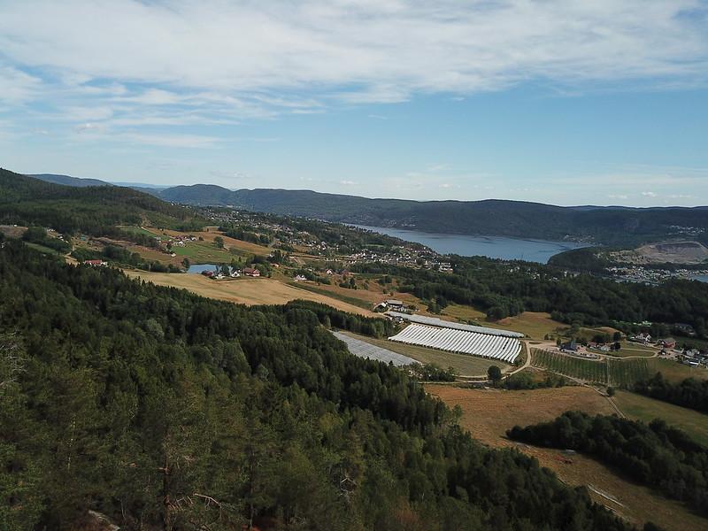 26-Svelvik fra Utsikten (drone)