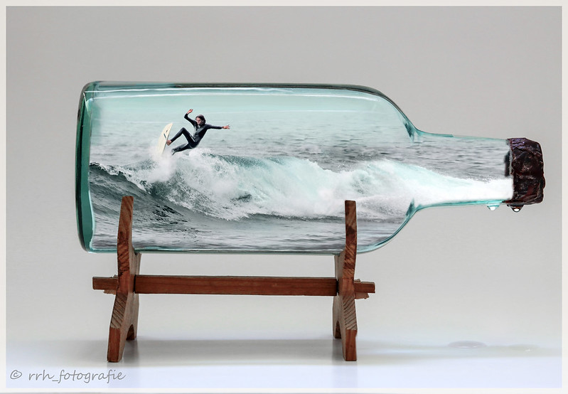 Wellenreiter im Glas