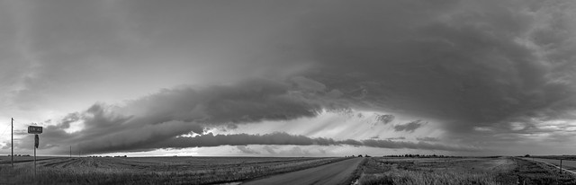 072718 - Storm Chasin in Nader Alley (B&W Pano) 002
