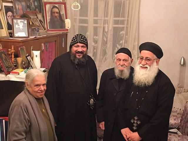 القمص مكارى عبد الله مع  الانبا مكاري اسقف شبرا الجنوبية 2