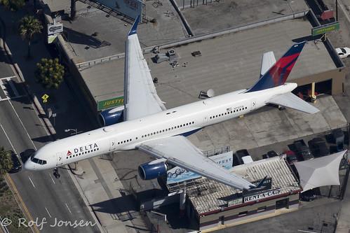 N713TW Boeing 757-200 Delta Airlines Los Angeles airport KLAX 14.09-18 | by rjonsen