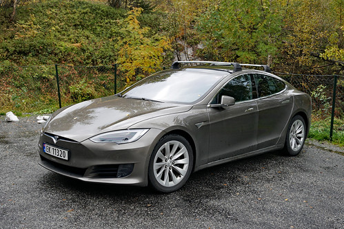 Tesla Model S at Flydalsjuvet, Geiranger, Norway. | by mariordo59