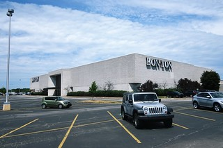 Car Dealerships Erie Pa >> Usa Erie Pa Millcreek Mall Complex Defunt Bon Ton Departme